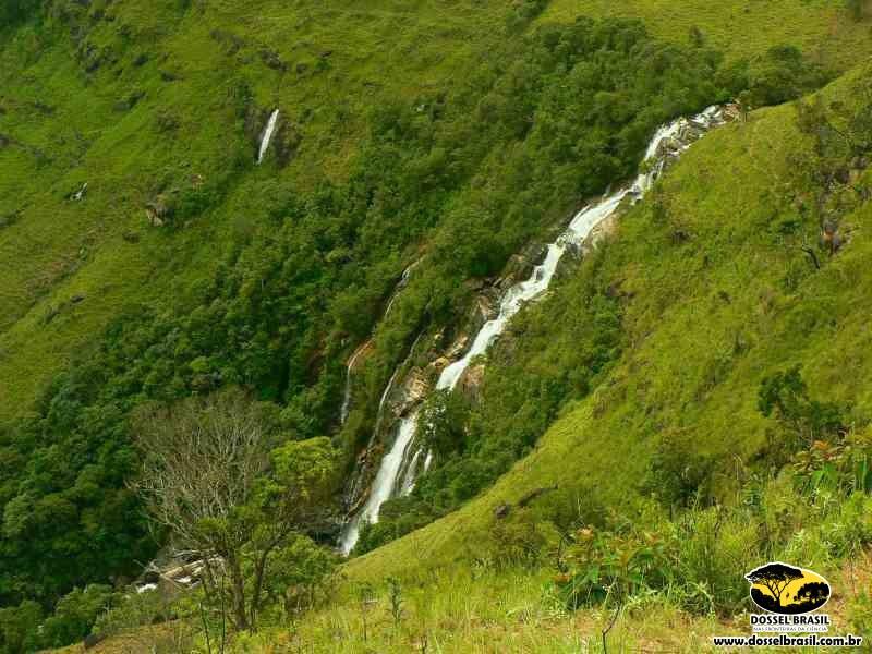 Cachoeira-Cachoeira-do-Juju-130-mts-de-queda-Serra-do-chapadão-Baependi